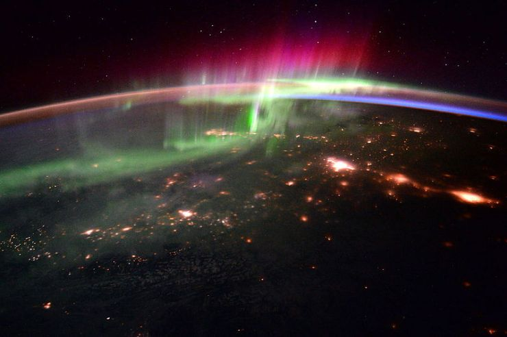 ISS-46_Aurora_over_northern_Canada (2)