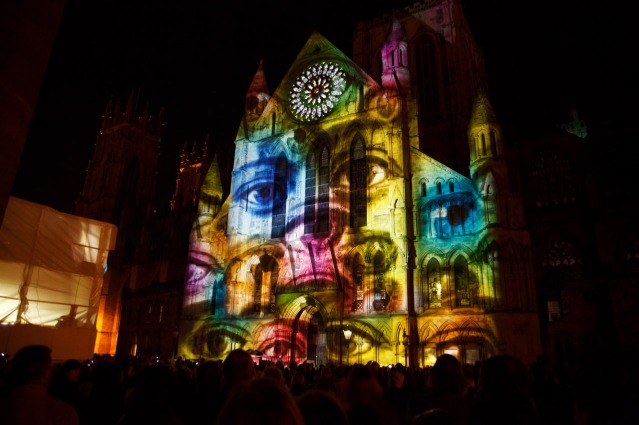 video-mapping-projection-11289323751FOI